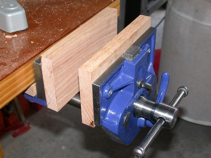 record bench vice